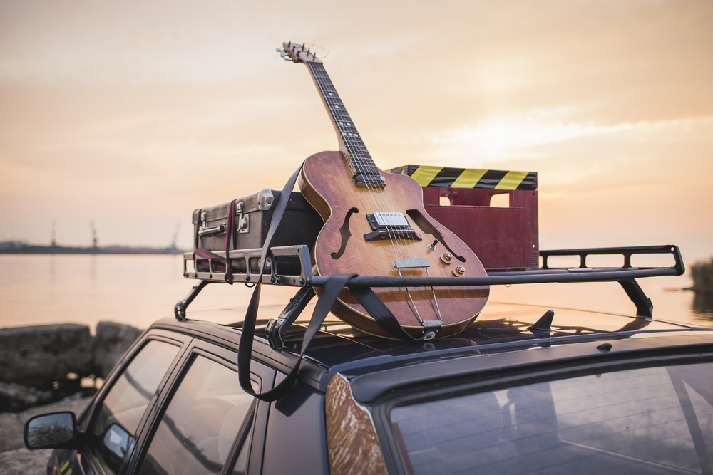 guitar on car roof